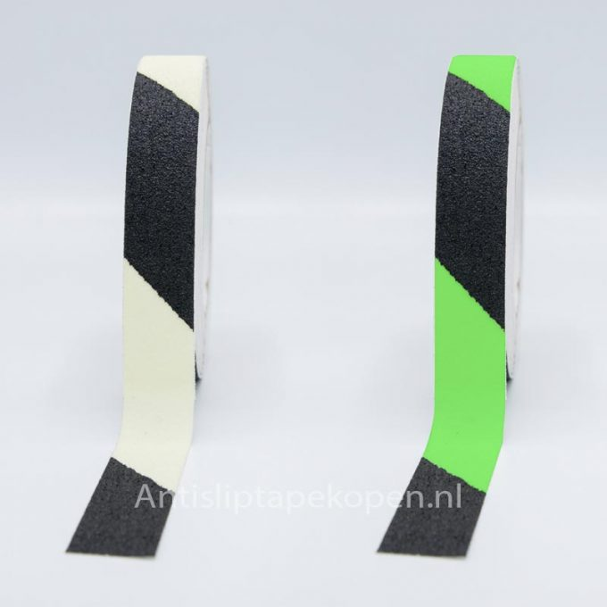 anti slip tape glow in dark zwart-wit 25 mm